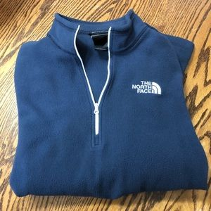 North Face Large Mens sweater
